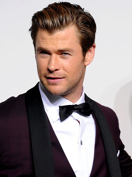 Roles Of A Receptionist Of Chris Hemsworth Joins Paul Feig S Ghostbusters as